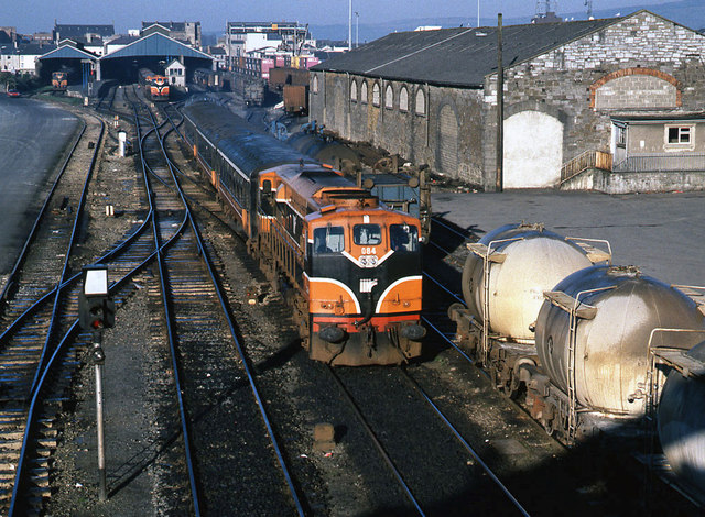 Ballybrophy train leaving Limerick station