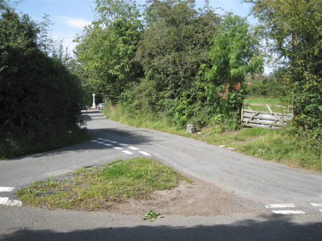 Junction of Watery Lane and a side road, Ullenhall