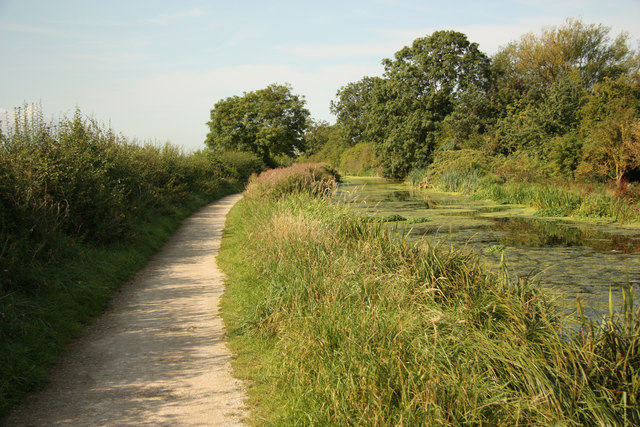 Grantham Canal and towpath