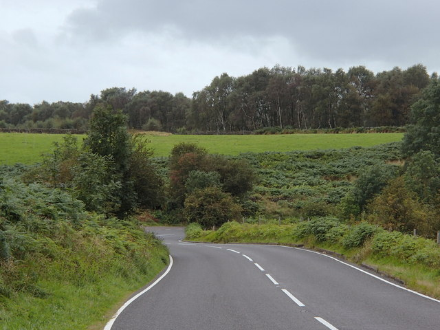 A625 towards Froggatt Edge