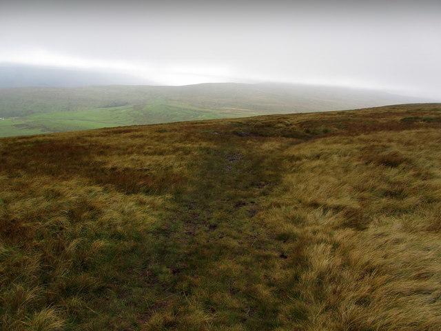Path between Blackfell Top and Black Dike