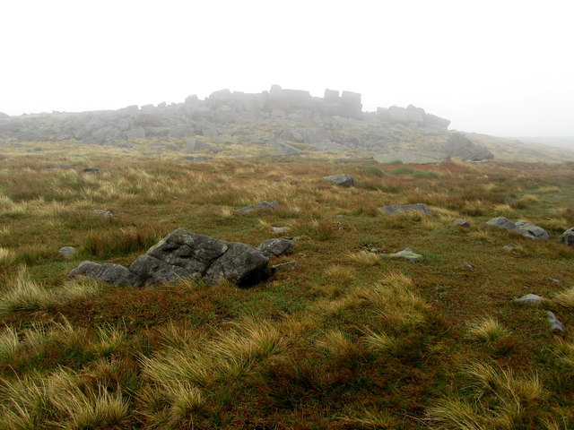Approaching Blackfell Crags