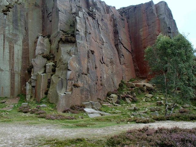 Rock face at Millstone Edge