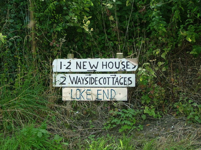 Sign for Wayside Cottages and Loke End