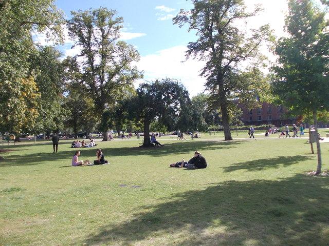 Bancroft Gardens - off Waterside