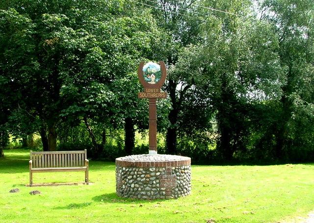Lower Southrepps village sign