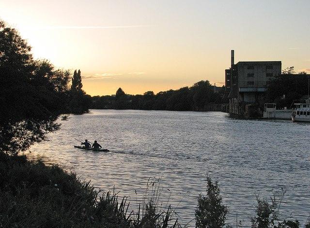 Kayak at dusk