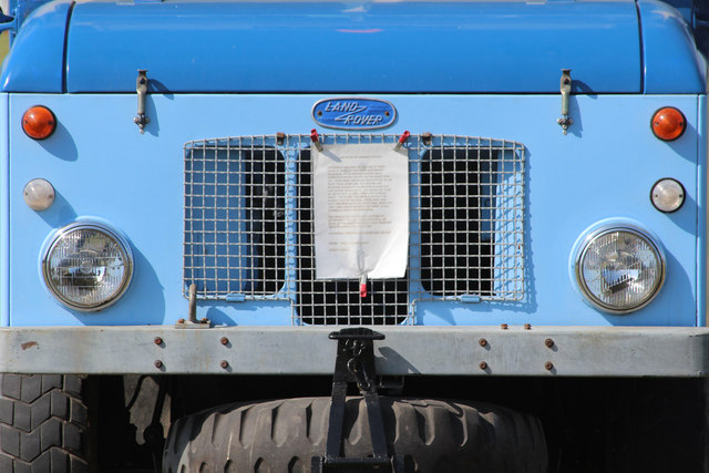 Land Rover face