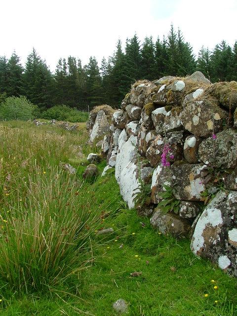 Old wall in Glenuachdarach