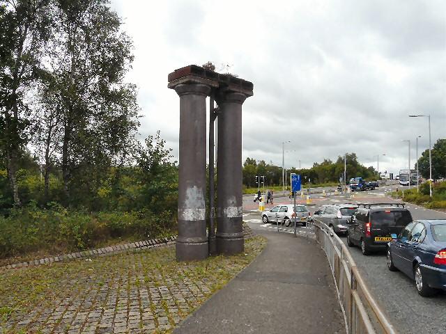 George's Road Columns
