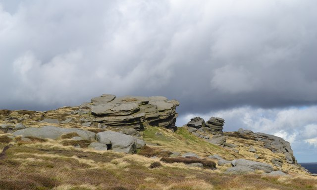 Exposed millstone outcrops on Fairbrook Naze