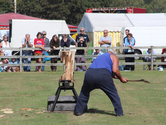 Lumber jack demonstration, Laughton Show