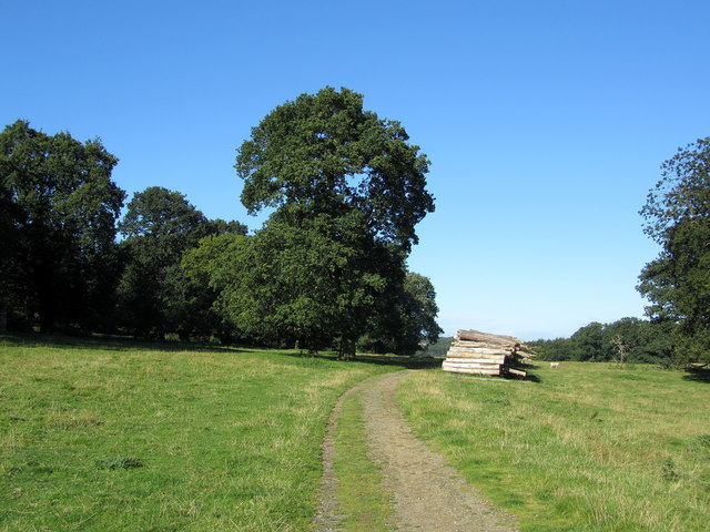 Leeds Country Way in the Harewood Estate