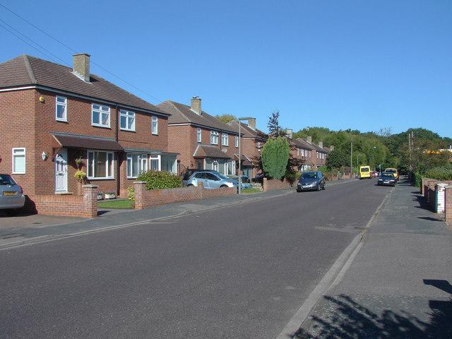 Ayebridges Avenue, Egham Hythe