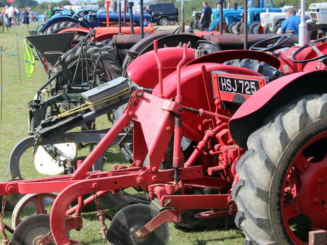 Classic tractors, Laughton Show