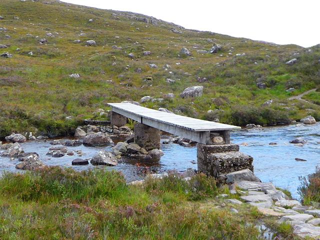 The Fionn-abhainn footbridge