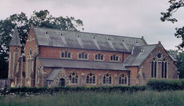 St John the Evangelist, Hartley Wintney