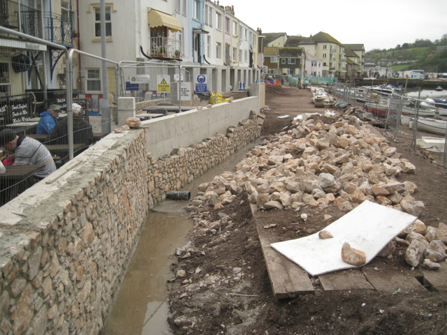 Flood wall under construction near the Ship Inn