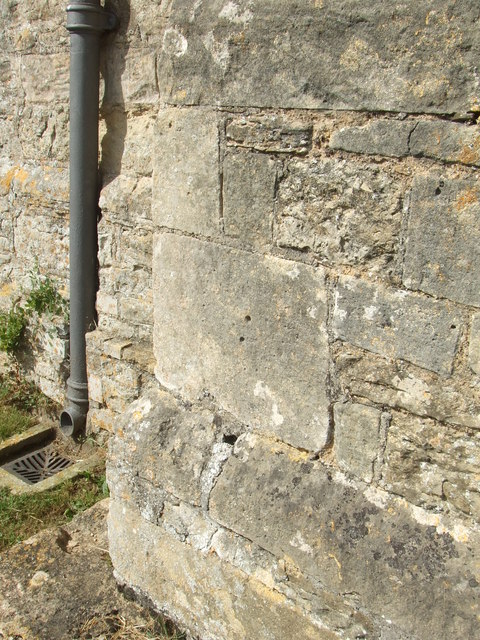 Mass dial on SE corner of St Peter's Church, Lowick