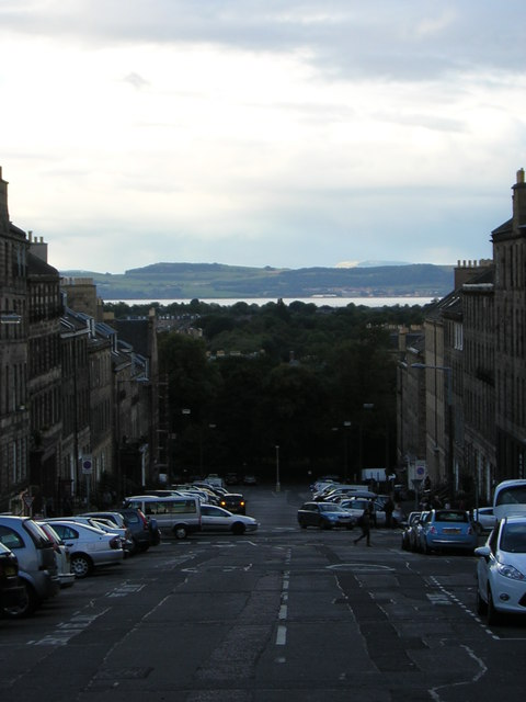 Edinburgh New Town: Dublin Street, with view over the Forth into Fife