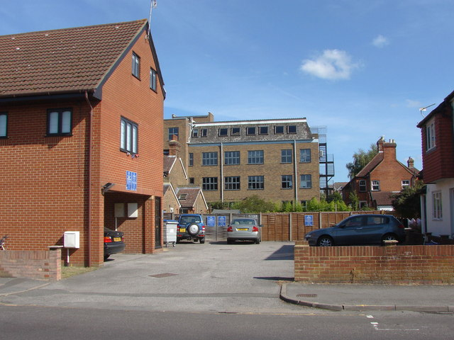 Guildford, Baylis Court