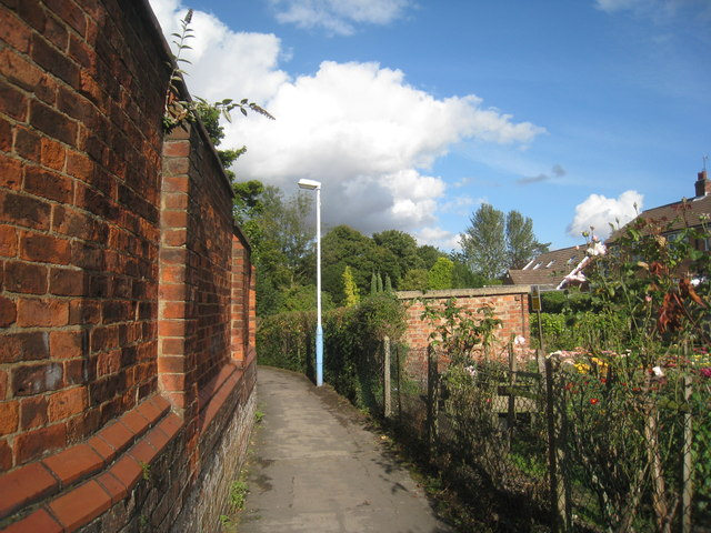 Footpath in Cottingham