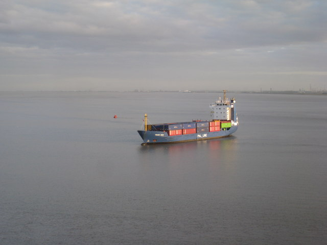 Trans Odin waiting to enter King George Dock