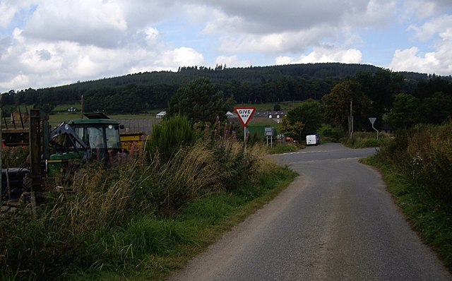 Pitmedden Smithy crossroads