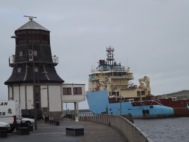 Round House and Maersk Tender
