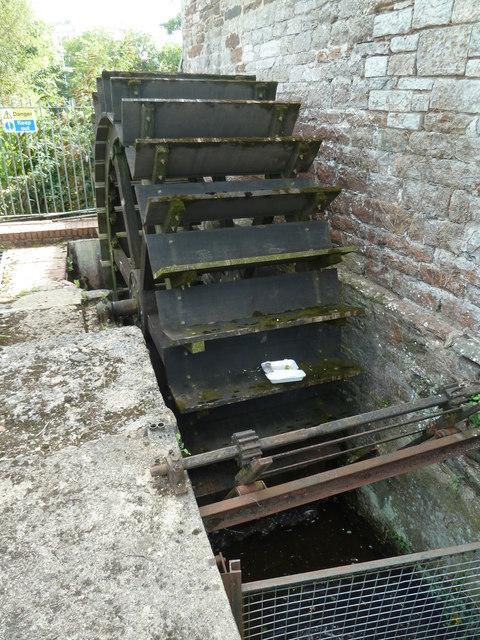 Totnes - waterwheel