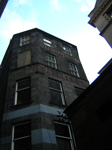 Edinburgh: ghost-sign, Fleshmarket Close