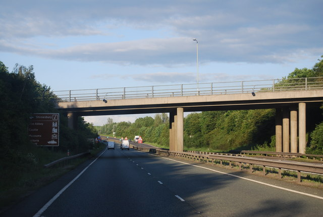 A5, Pulley Lane overbridge