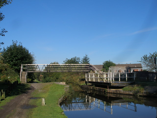 Grimshaws Swing Bridge and Footbridge, Ashton Canal