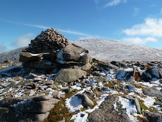 The top of Fiacaill a' Choire Chais