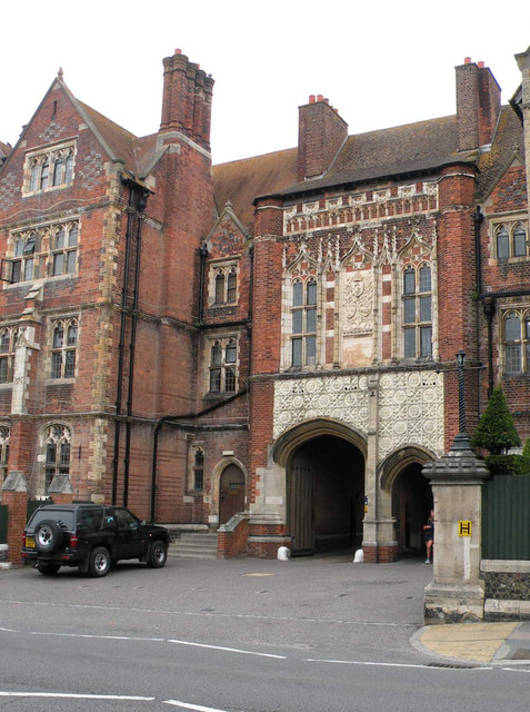 Brighton College gatehouse