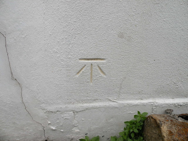 Benchmark, Arundel Road