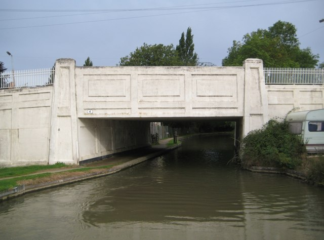 Oxford Canal: Bridge Number 4: Tusses Bridge