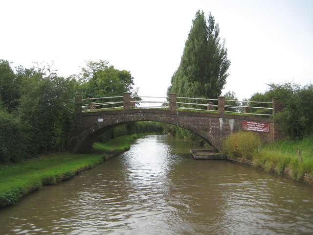 Oxford Canal: Bridge Number 16