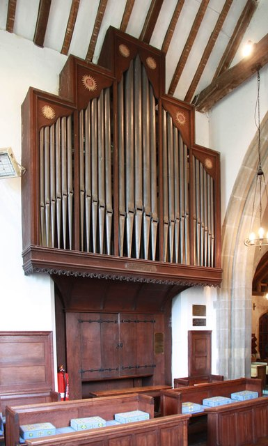 St Giles, Mountnessing - Organ