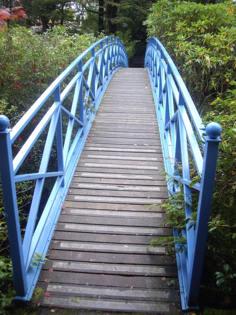 A footbridge in Johnston Gardens