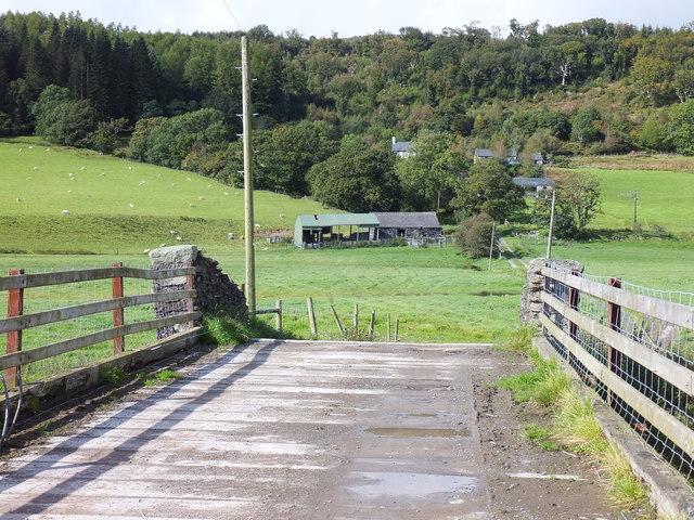 The bridge and barn at Benar