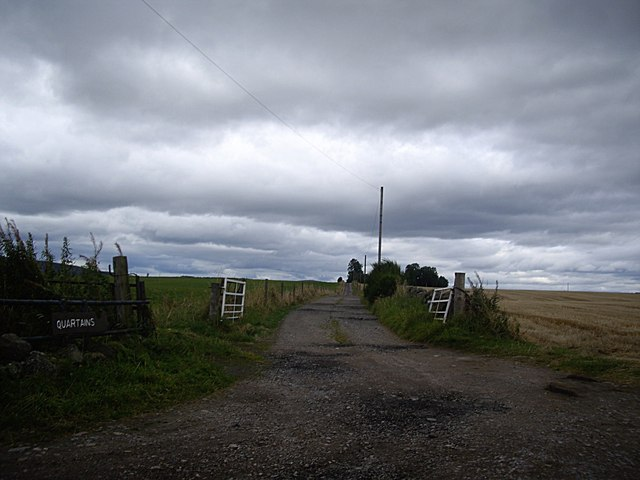 Access lane to Quartains