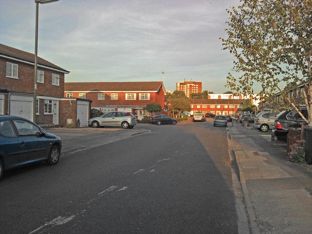 Mill Farm Avenue