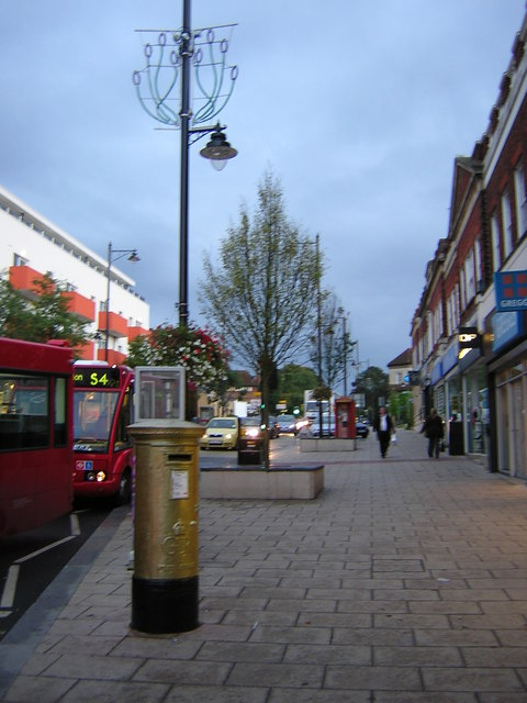 Wallington: golden postbox, Woodcote Road