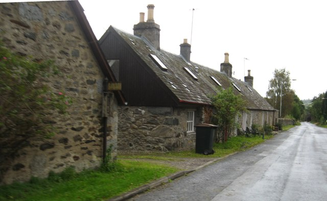Roadside cottages at Balnaguard