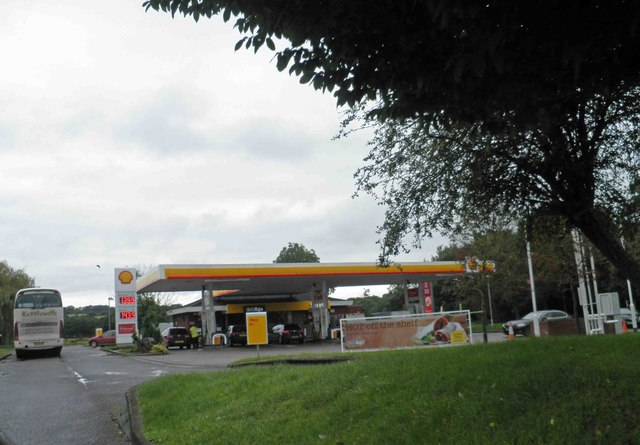 Shell garage at Tiverton services