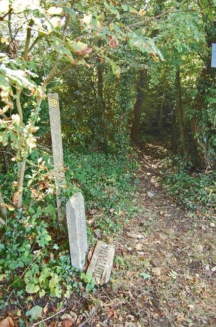 Entrance to Footpath, off Plummer Lane