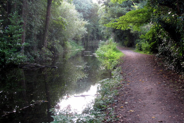 Towpath on Wendover canal