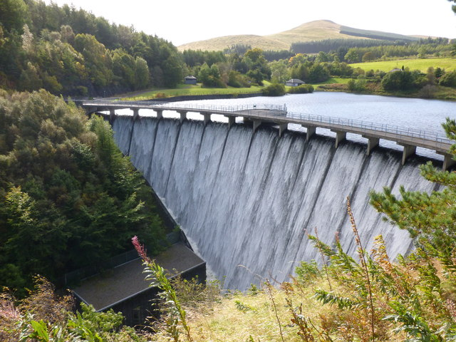 The dam at Castlehill Reservoir
