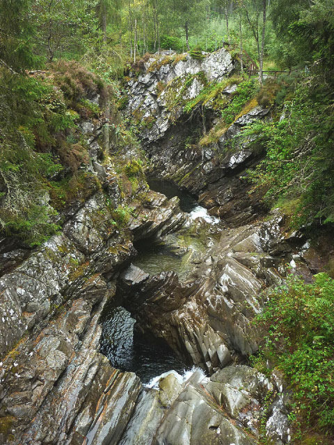 Natural arch, the Falls of Bruar